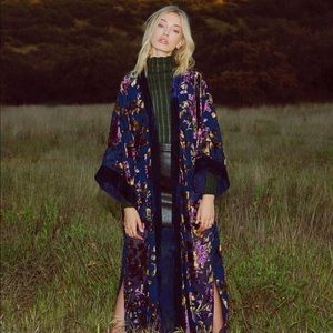 Raga Viola Velvet Split Kimono